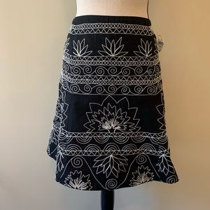 Talbots black skirt white embroidery Skirt SZ 12p
